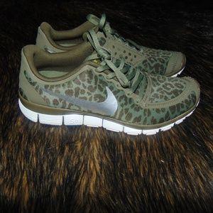 newest 99403 83d0a Nike Shoes - Nike FreeRun 5.0 Olive Green Leopard Cheetah Print